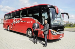 Setra ComfortClass 500 completes round-the-world coach tour