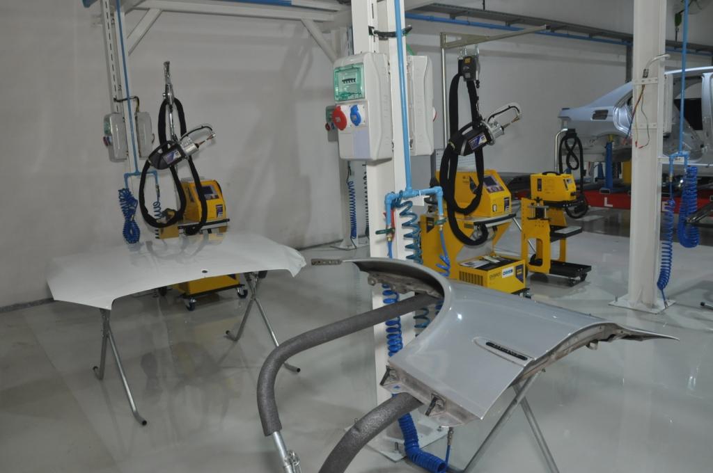 MB India Inaugurates The Advanced Auto Body Repair Training - Mercedes benz body repair centre