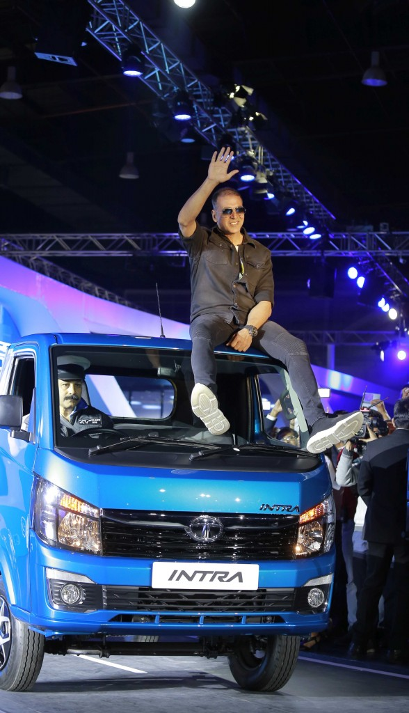 Akshay Kumar, Brand Ambassador of Tata Motors Commercial Vehicle Business Unit at the unveil of the all new Compact truck Tata-INTRA at Auto Expo 2018.