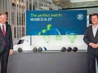 Wolf-Henning Scheider, Vorsitzender des Vorstands der ZF Friedrichshafen AG, und Fredrik Staedtler, der die neue Division Commercial Vehicle Control Systems leiten wird. // Wolf-Henning Scheider, CEO of ZF Friedrichshafen AG, and Fredrik Staedtler, who will lead the Commercial Vehicle Control Systems division.